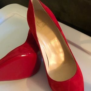 New Christian Louis Vuitton heels red. Size 9.